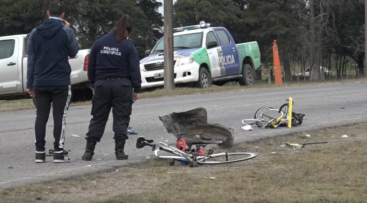Una camioneta arrolló a dos ciclistas y uno murió :: Canal Verte